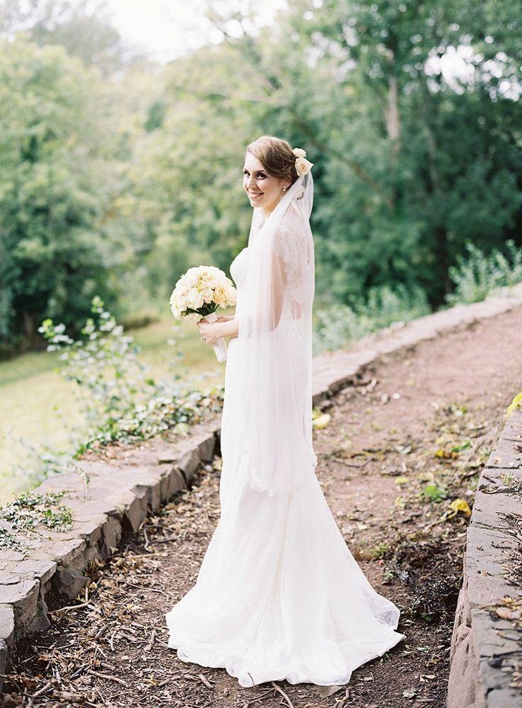 les plus belles robes de mari e 190 photos de robes de. Black Bedroom Furniture Sets. Home Design Ideas