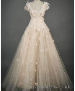 une-robe-de-mariee-magnifique-23