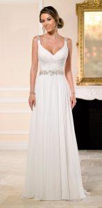 magnifique mariée dans sa robe sur le 24