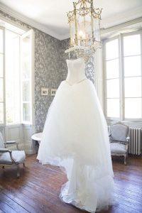 magnifique mariée dans sa robe sur le 41