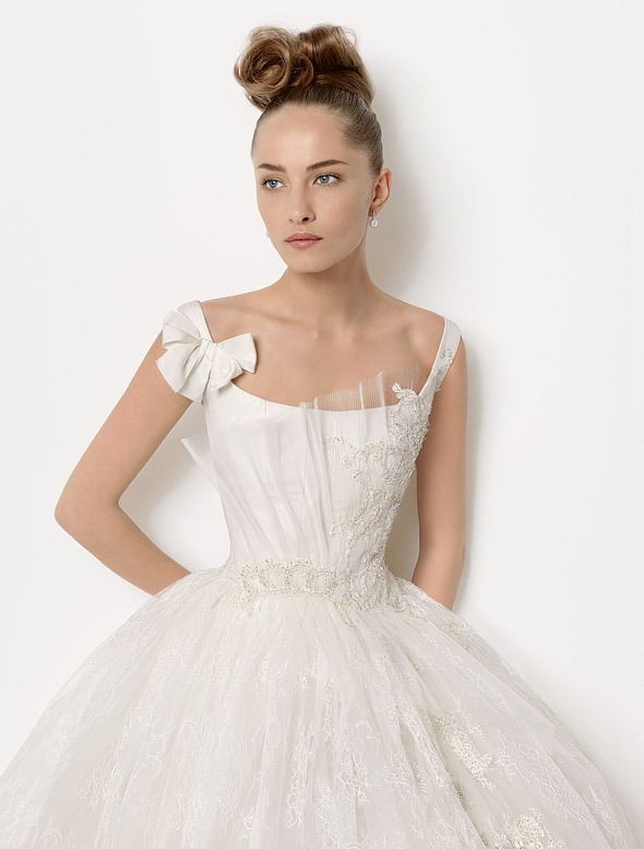 magnifique robe pour mariage 2018 idee 34 photos de robes de mari es. Black Bedroom Furniture Sets. Home Design Ideas