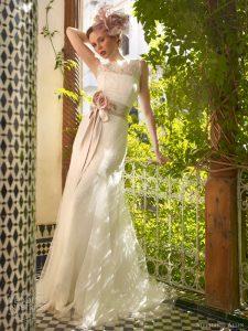 Robe féminine de mariée 65